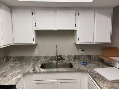 cabinets without cabinet pulls