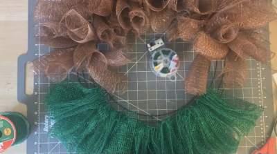 creating elf wreath shirt finalized