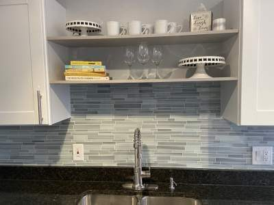open shelving in townhouse renovation
