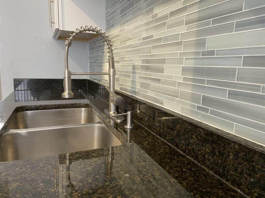 kitchen backsplash in townhouse remodel